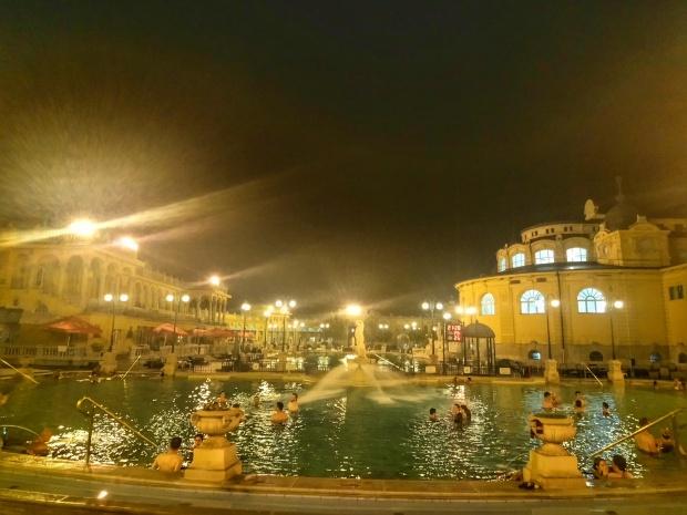 Szechenyi Bath – Baths Budapest (2)